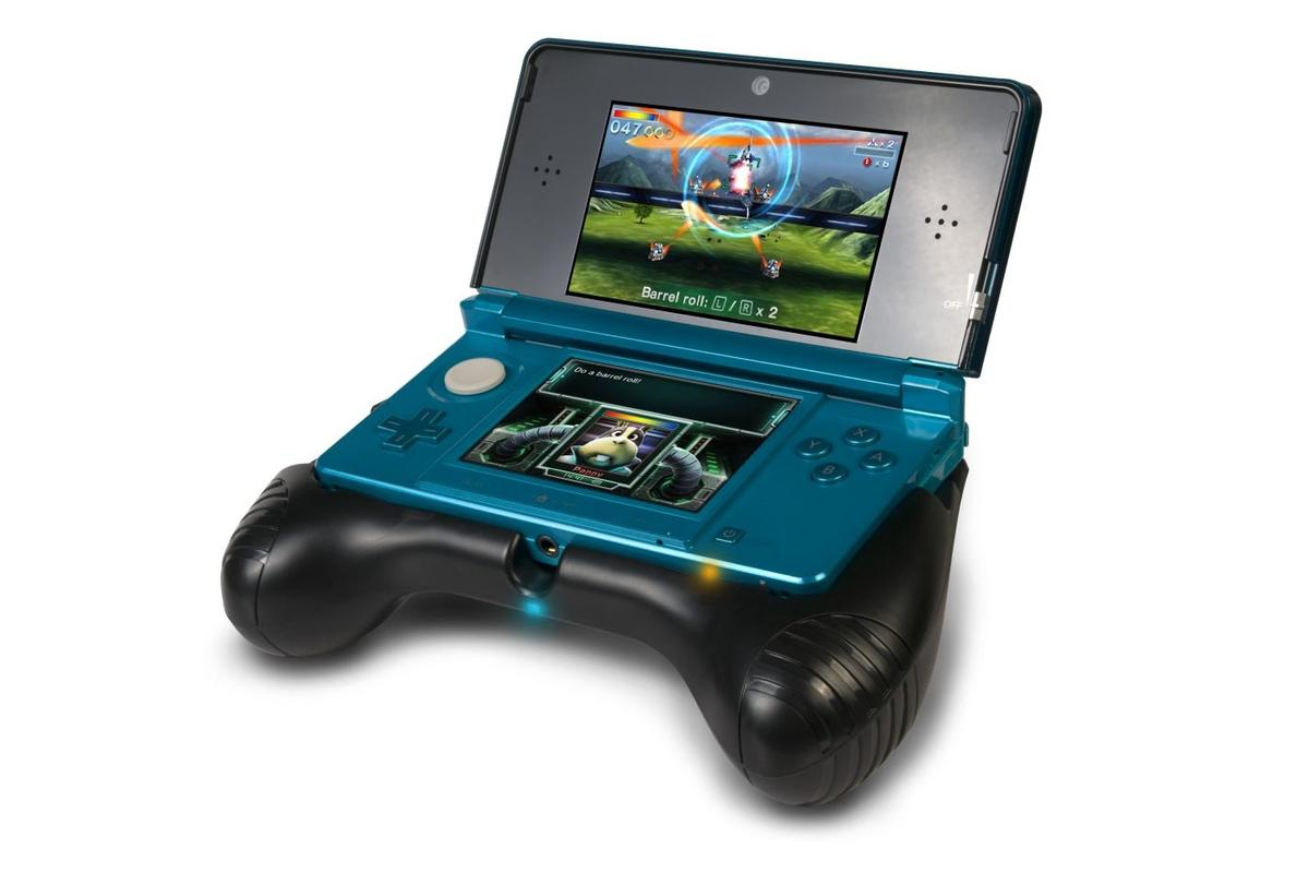 Encased in a gamepad-shaped silicone housing, the Nintendo 3DS Deluxe Power Grip doubles the 3DS' battery life