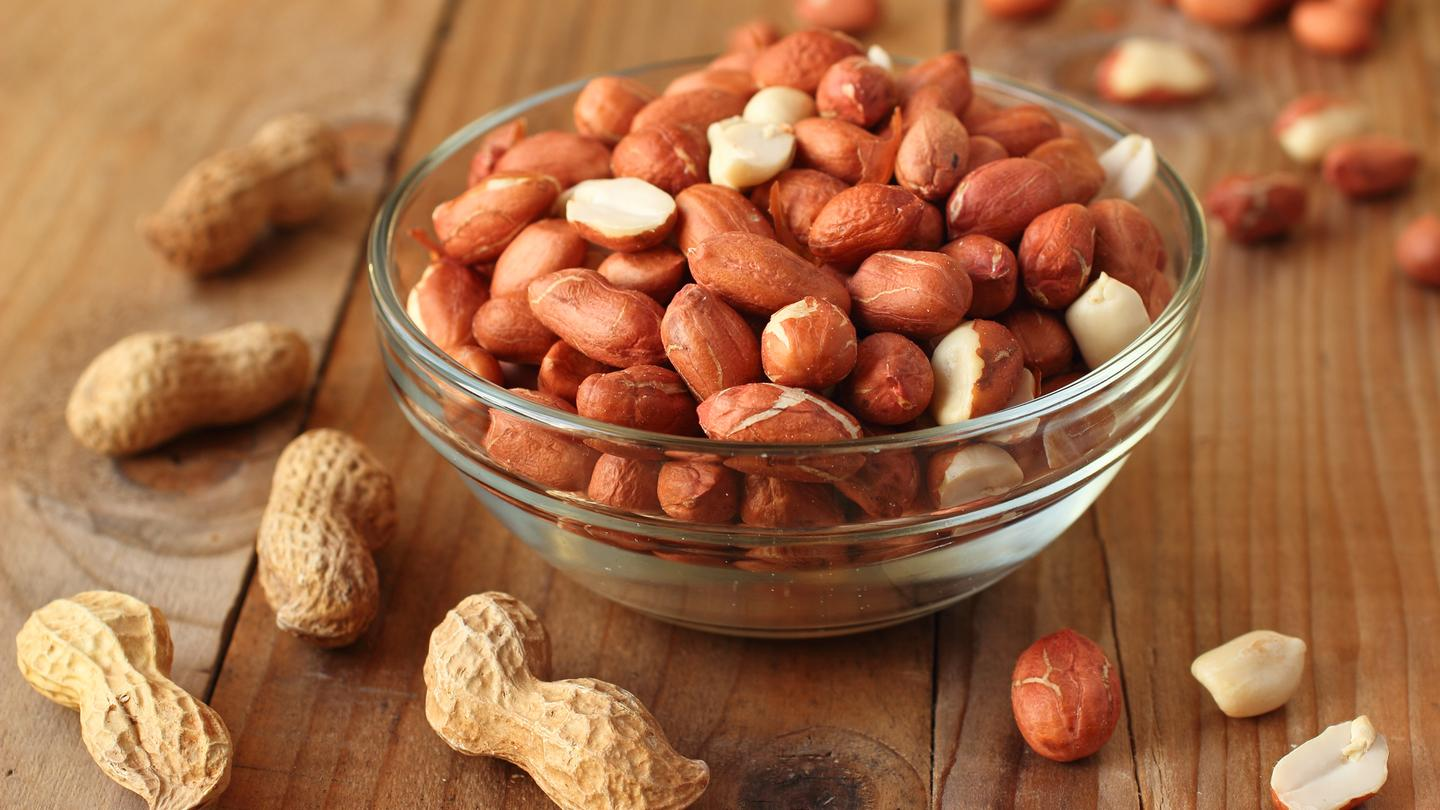 UF researcher Wade Yang is using pulsed light to inactivate proteins within peanuts that trigger an allergic response (Photo: Shutterstock)