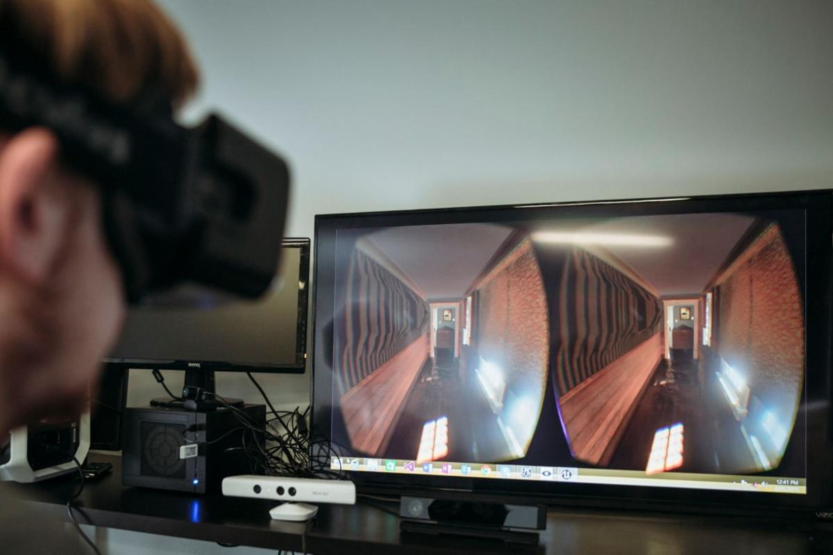 Virtual Dementia Experience is currently compatible with Microsoft Kinect and the Oculus Rift