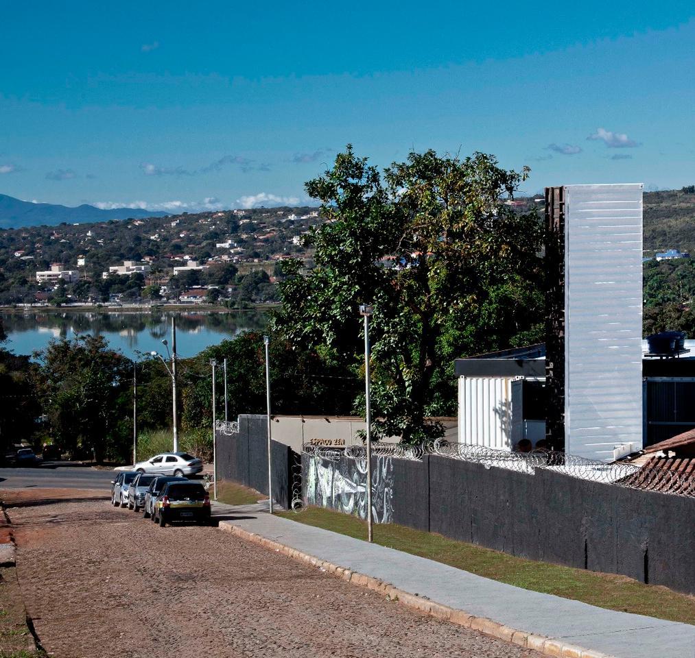 Superiscopio was designed by Pedro Barata e Arquitetos Associados