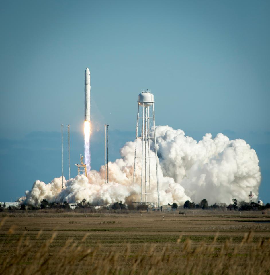 """Launch of the Antares rocket from NASA""""s Wallops Flight Facility (Image: NASA/Bill Ingalls)"""