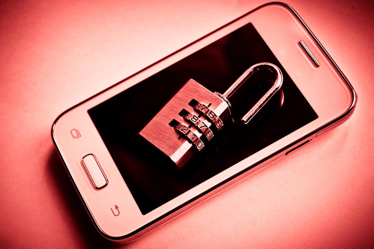 Here are some important tips that will keep your smartphone secure, no matter which OS it runs