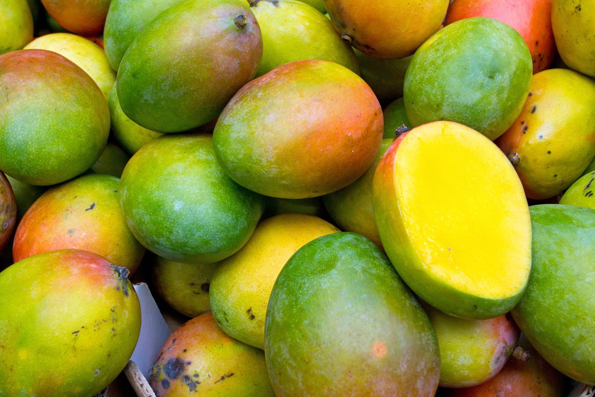 Researchers in Japan have developed a contactless way to measure the ripeness of soft fruit like mangoes