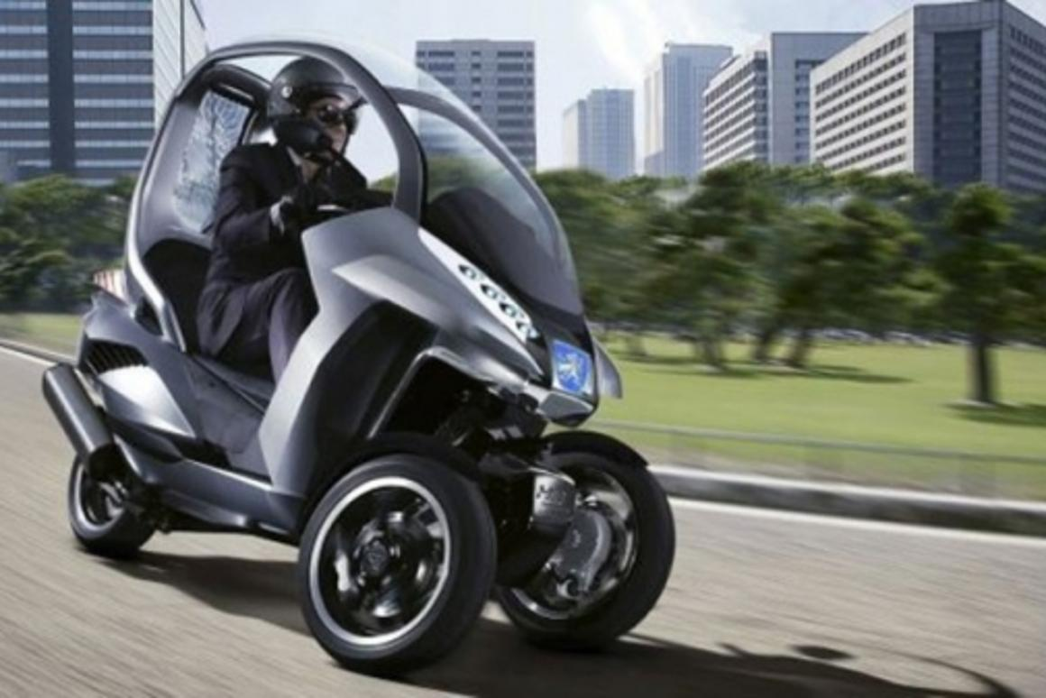 Peugeot's HYmotion3 compressor concept vehicle