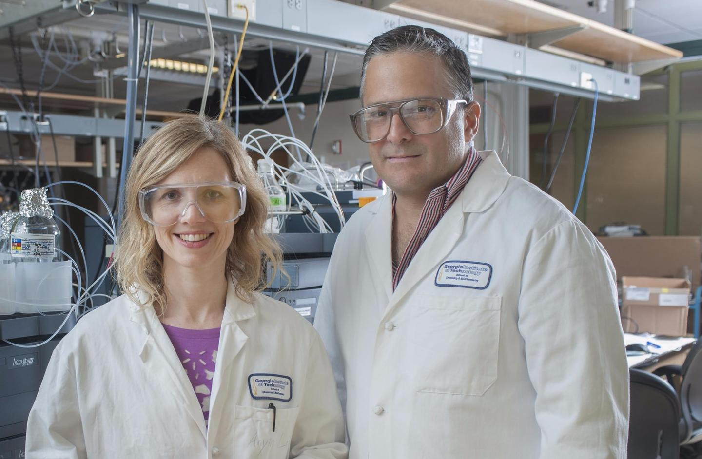 Researchers on the project Martha Grover (left) andFacundoFernández