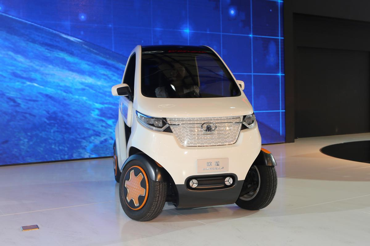 GWKULLA's electric motor generates 15 hp and 50 Nm (37 lb.ft) of torque to drive those tiny rear wheels