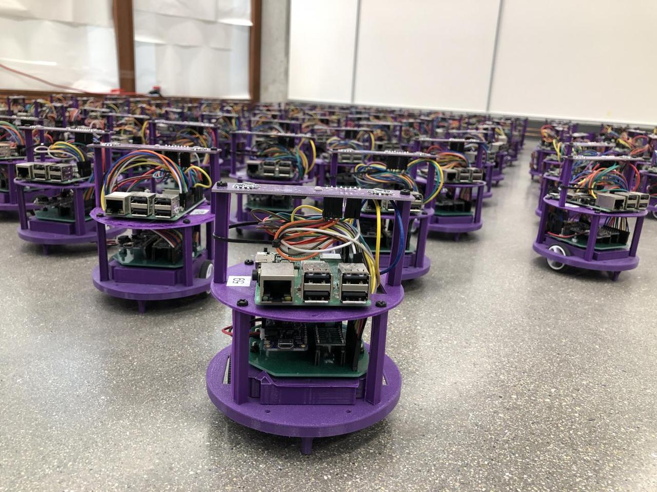 A new control algorithm for swarms of small robots could serve as a basis for autonomous vehicles, researchers say