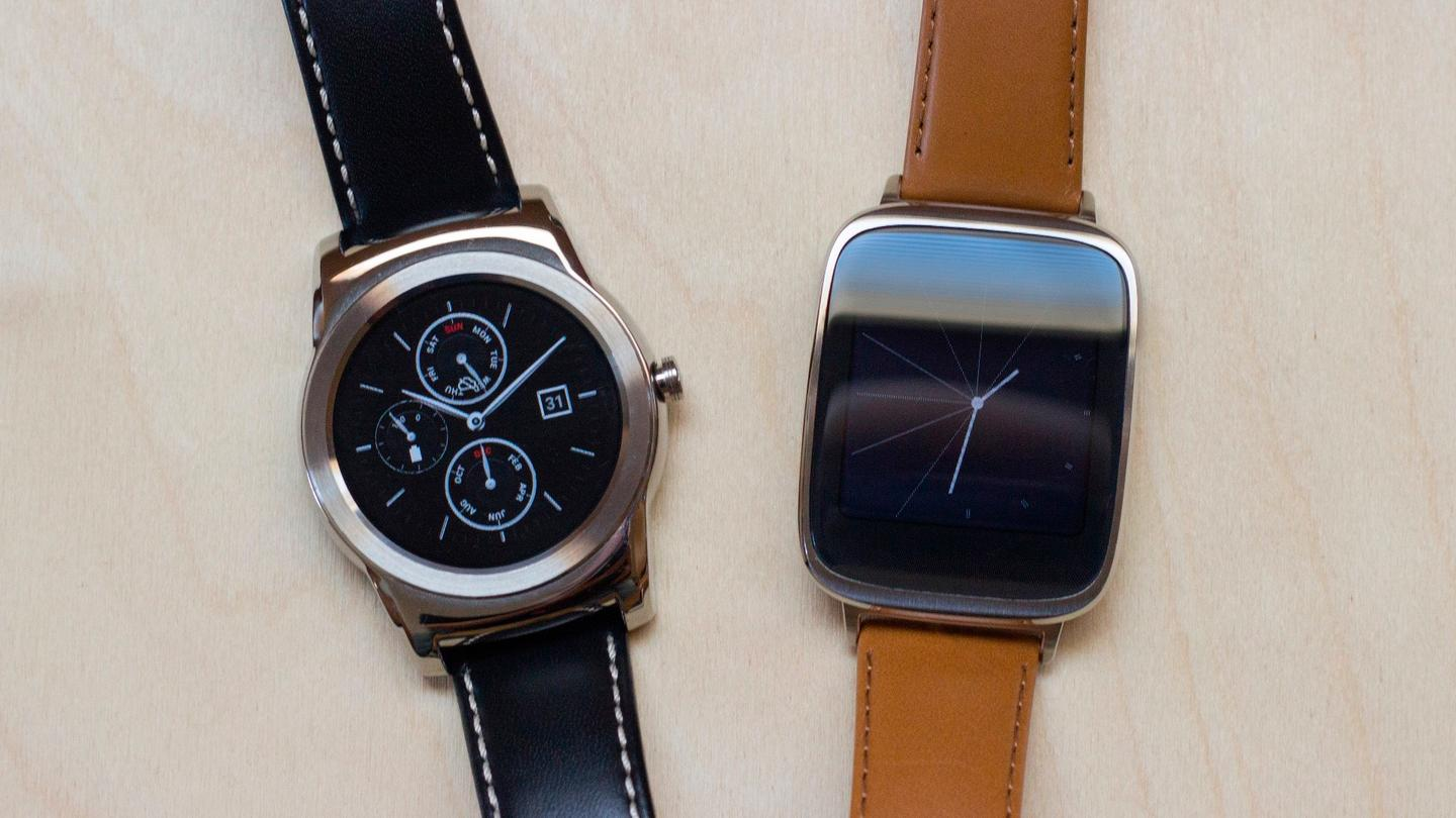 Gizmag goes hands-on for a quick comparison of the LG Watch Urbane (left) and first-generation Asus ZenWatch
