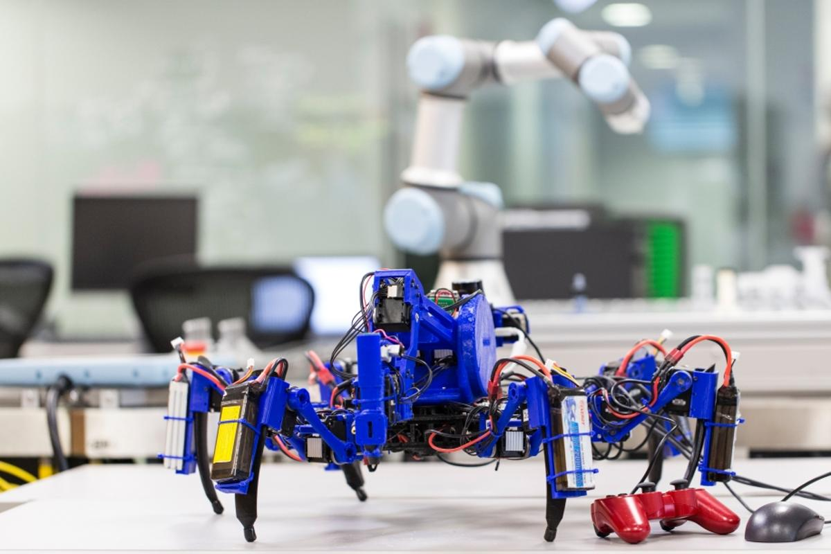 The spider-like prototype robots have been named SiSpis, which simply stands for Siemens Spiders