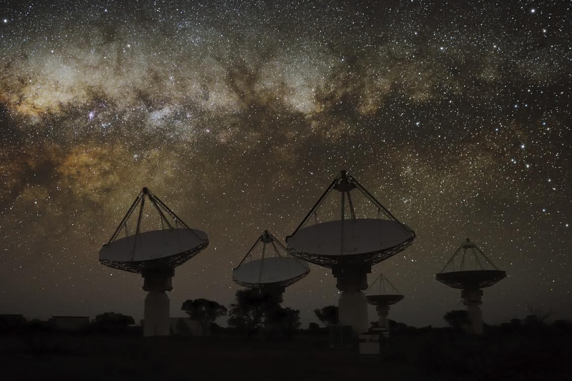TheAustralian Square Kilometer Array Pathfinder (ASKAP) radiotelescope is hunting down the sources of fast radio bursts