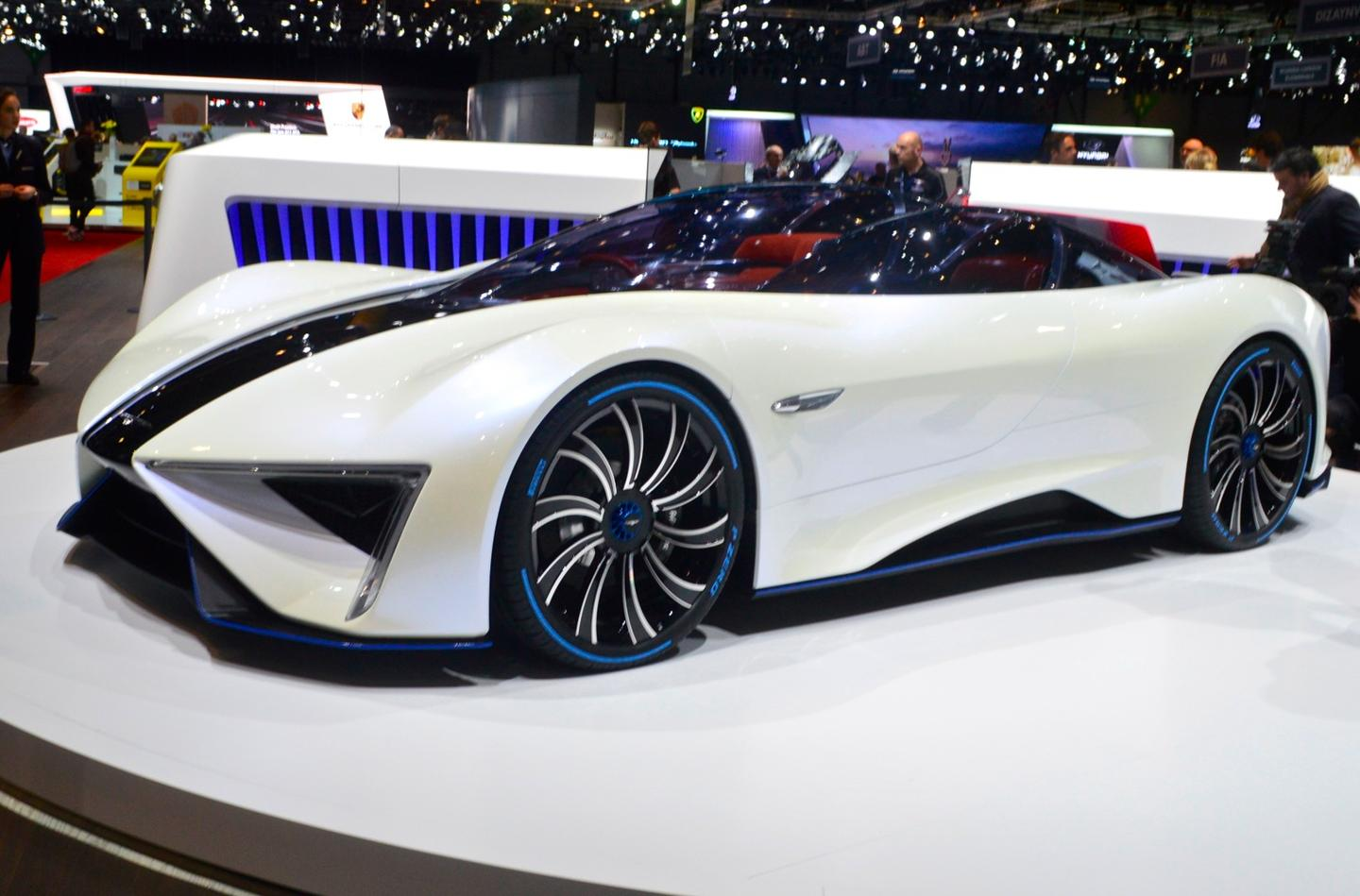 Big wheels, split bodywork and a triple-bubble canopy give the Techrules Ren one of the most distinctive looks at the entireGeneva Motor Show