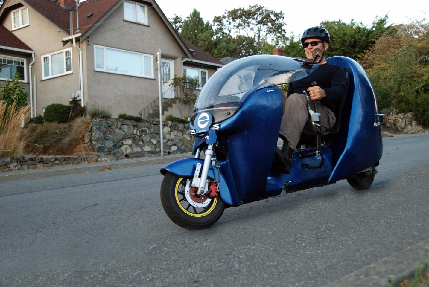 Fabrizio Cross cruising the streets of Victoria, in the Electrom