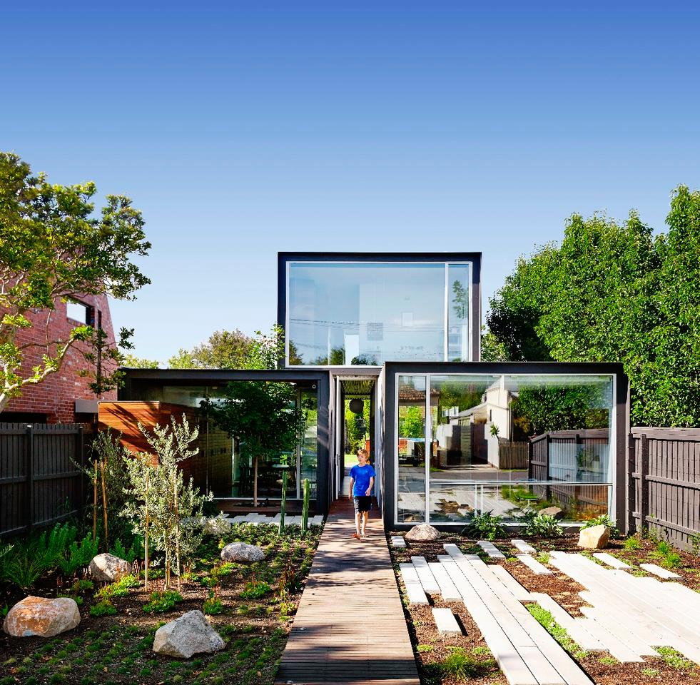 That House measures a total floorspace of 255 sq m (2,744 sq ft), spread over two floors
