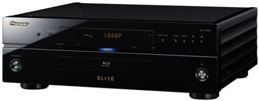 A top-of-the-line image processor delivers 1080p/24 resolution, and converts color information from 8 bits to 16 bits