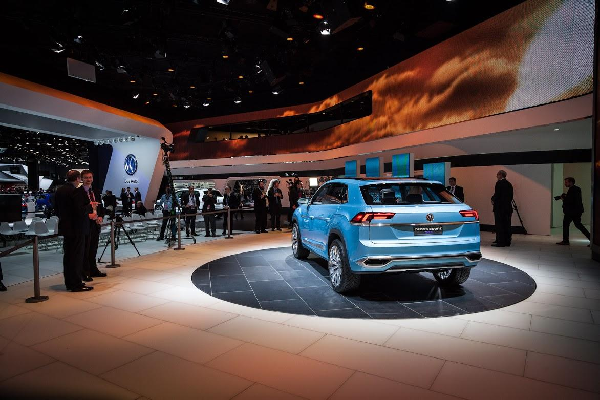 Volkswagen reveals the Cross Coupe GTE at the 2015 North American International Auto Show (Photo: Loz Blain/Gizmag)