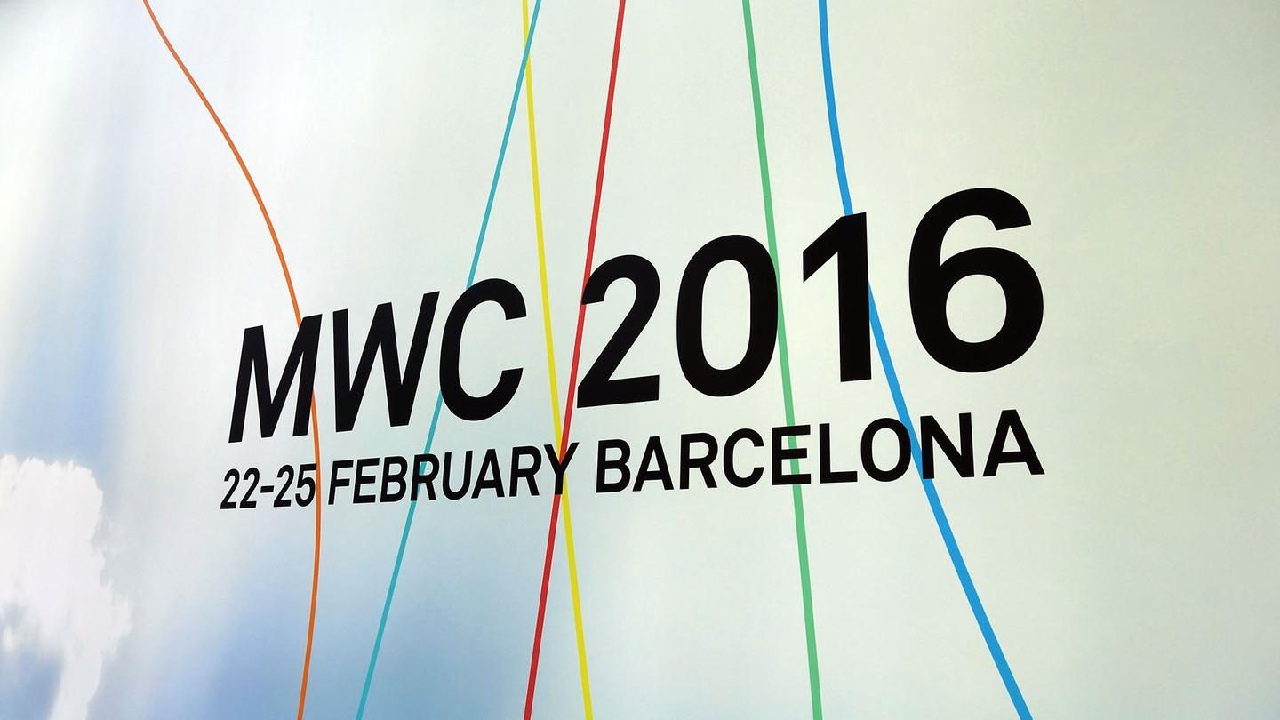 Gizmag breaks down our top picks in smartphones, VR, 2-in-1s and other innovations from MWC 2016