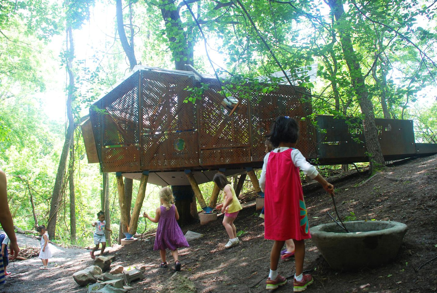 Play Perch is a treehouse-cum-classroom, designed by students of the Syracuse University of Architecture (Photo: Syracuse SOA)