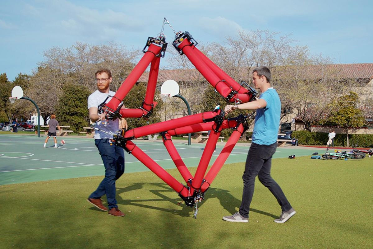 The isoperimetric robot can be attached to others to form more capable machines, connecting via three-degrees-of-freedom joints that create truss-like structures