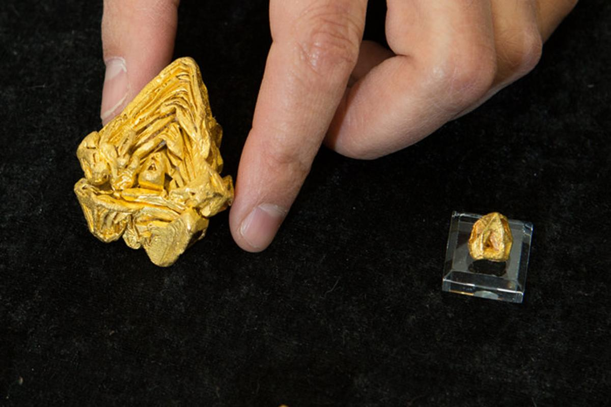 The scientists were able to confirm the 7.68 oz (217.78 g) specimen as a single-crystal piece of gold