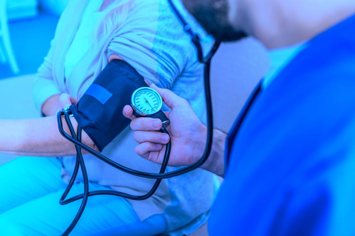 According to the study, exposure to blue light causes a significant reduction in blood pressure