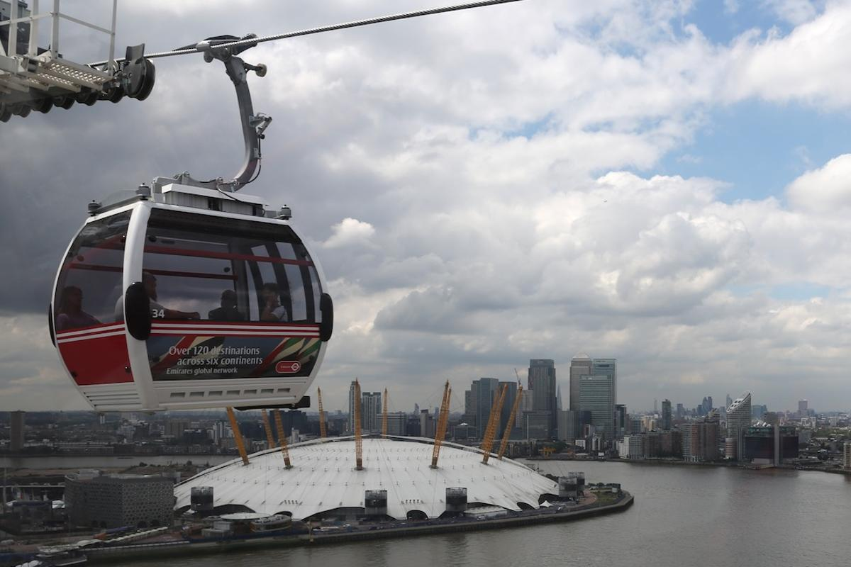 Gizmag recently took the opportunity to ride the newest addition to London's public transport system, a kilometer-long (0.62-mile), 93-meter tall (305 ft) cable car system offering passengers commanding views of East London and beyond (Photo: Gizmag)