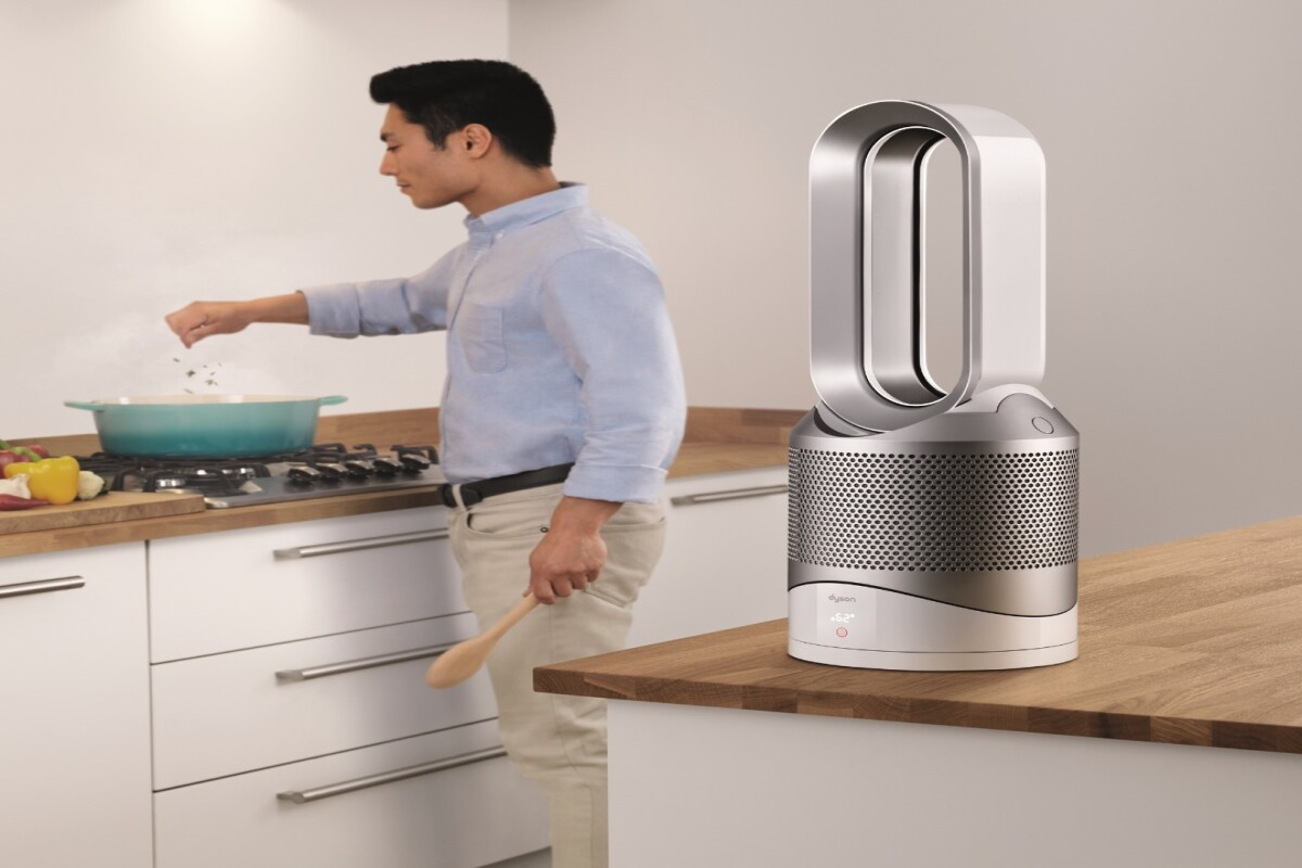 The Pure Hot+Cool Link uses Dyson's 360-degree Glass HEPA filter to filter the air