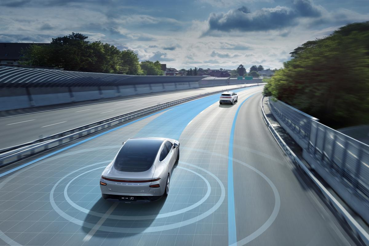 New autonomous driving features have rolled out for the XPeng P7