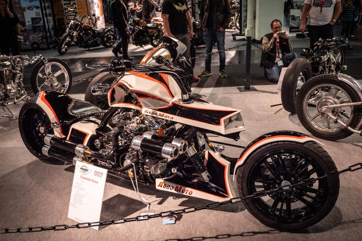 This bike rolls into Intermot all the way from Seoul, Korea. Agnes Custom's Agoo Moto is an absolute whopper of a future-cruiser hand-built around a 1340cc Harley motor.