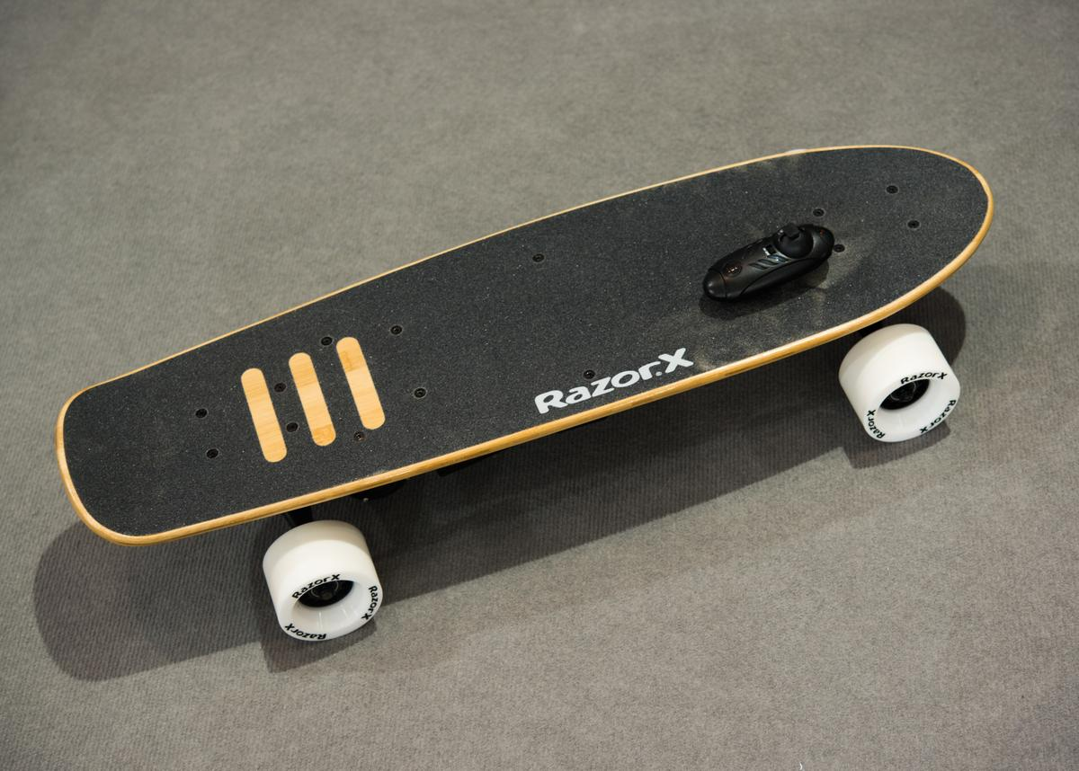 We try out the RazorX Cruiser Electric Skateboard