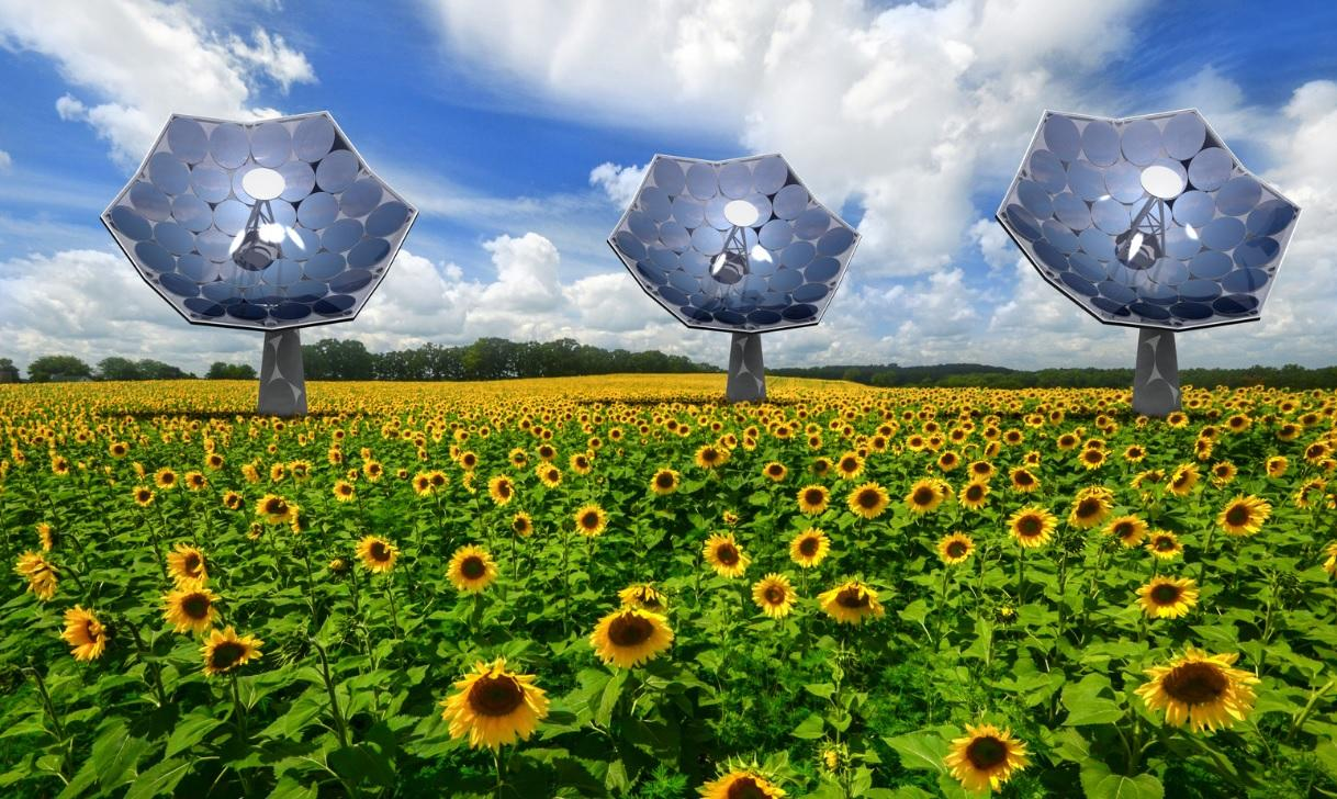 "Equipped with an array of multi-junction photovoltaic chips, each of the IBM ""sunflowers"" can supply the energy needs of several homes (Image: Airlight Energy/dsolar)"