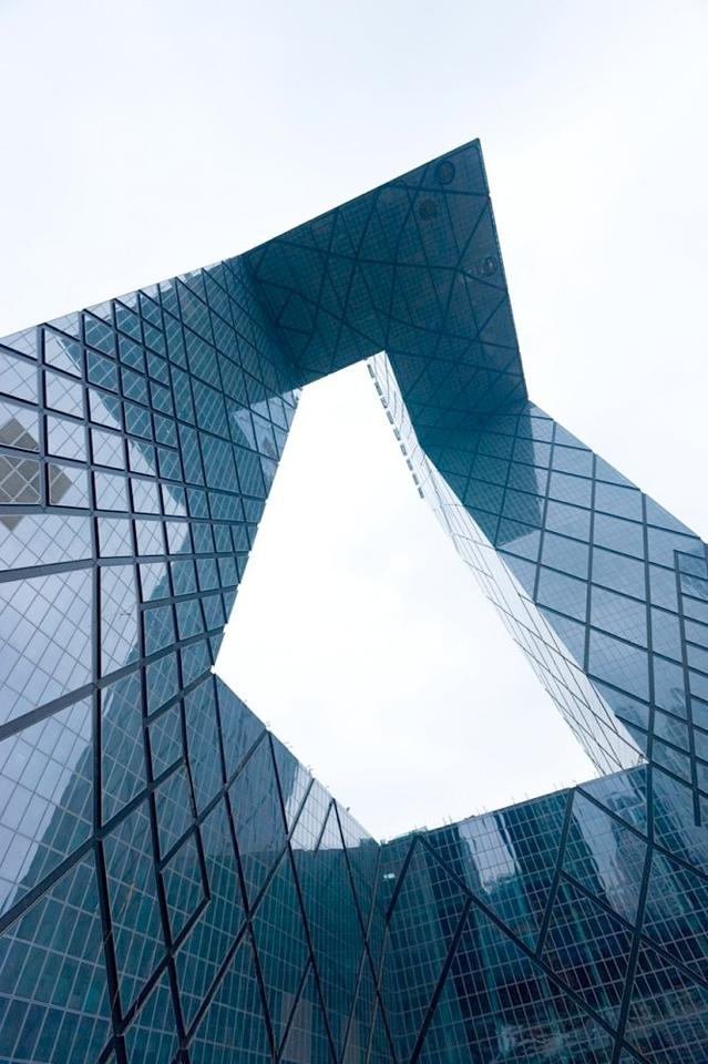 View of CCTV headquarters from below the cantilever section (Photo: OMA / Iwan Baan)
