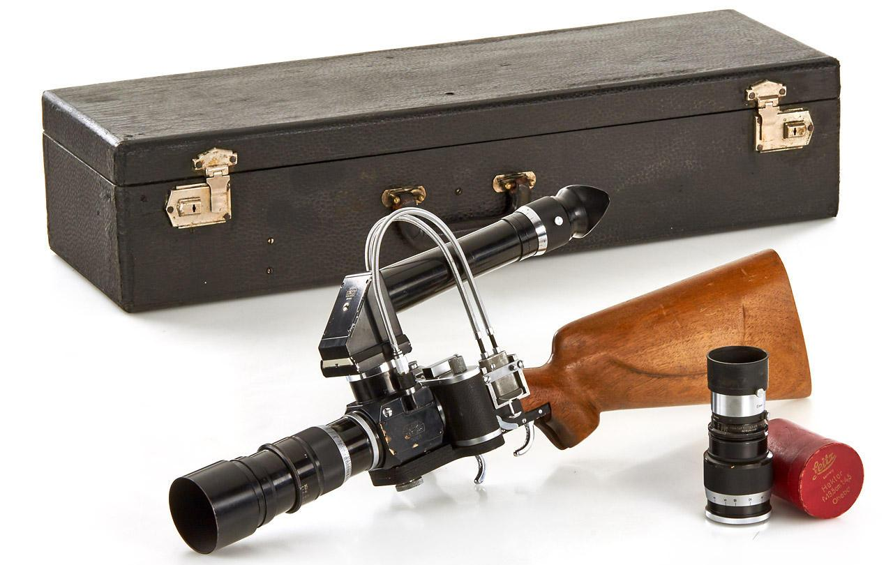 The New York Leica Gun RIFLE Prototype comes with a carry case and two lenses