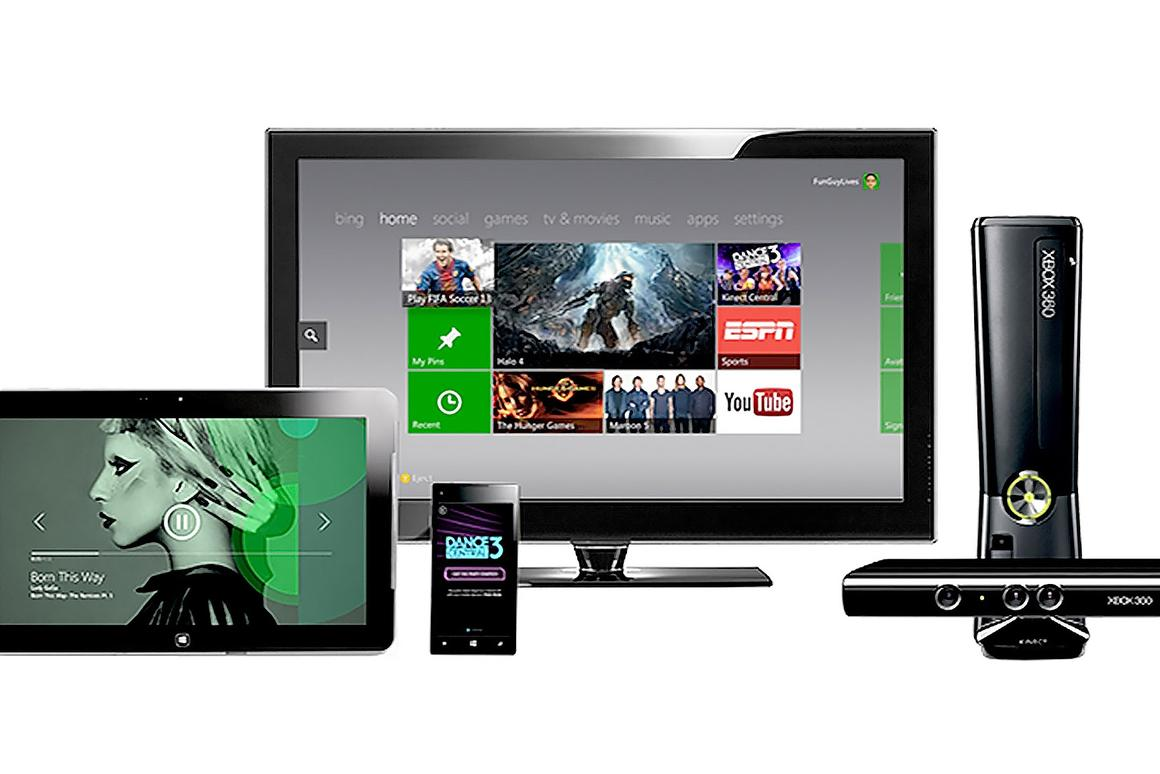 Microsoft announced a landmark deal with Time Warner Cable, to let U.S. subscribers watch up to 300 live TV channels on the Xbox 360.
