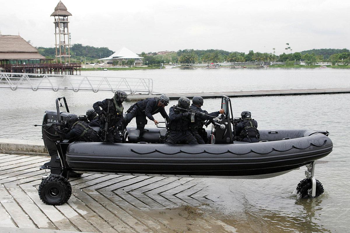 Malaysian commandos testing the Sealegs RIB just prior to the circumnavigation