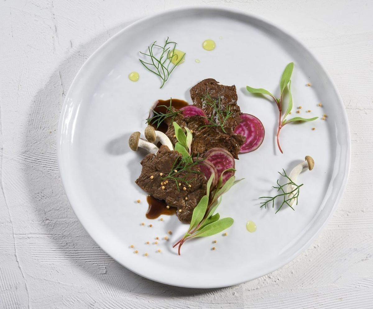 The world's first lab-grownsteak takes about three weeks to growfrom an initial cellular sample