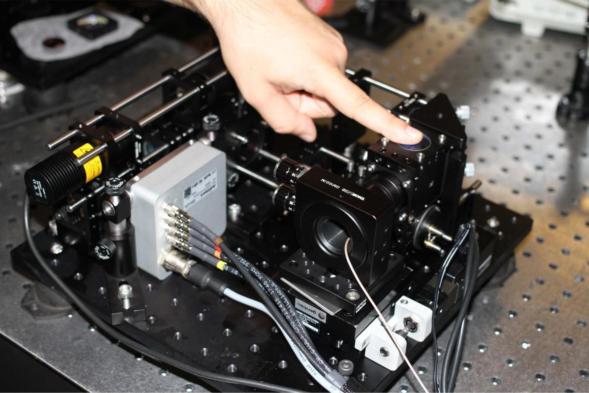 The prototype FF-OCT fingerprint scanner