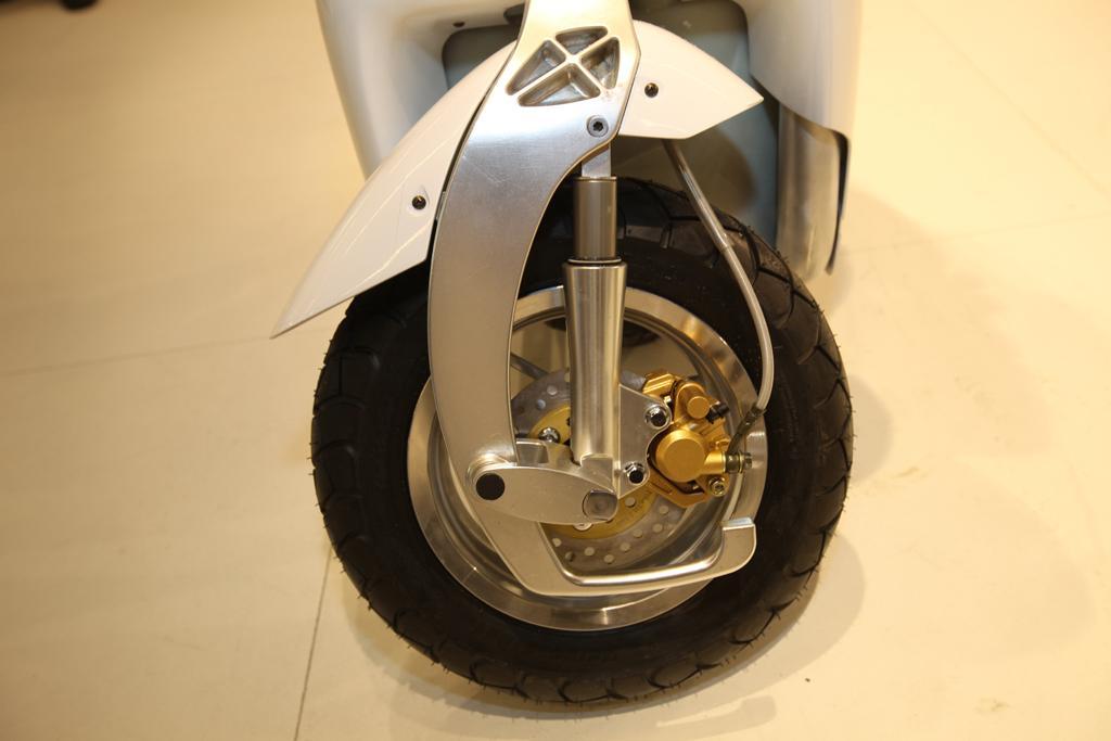 The XOR Urban Transporter folding scooter