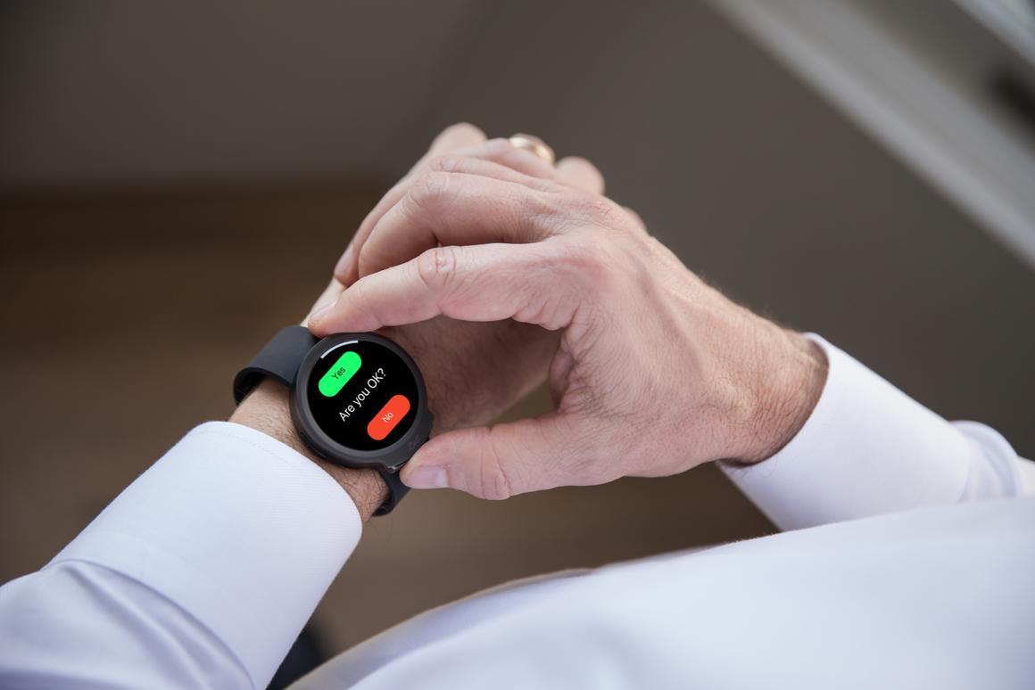 The iBeat keeps an eye (optical sensors, actually) on its wearer's hearthealth