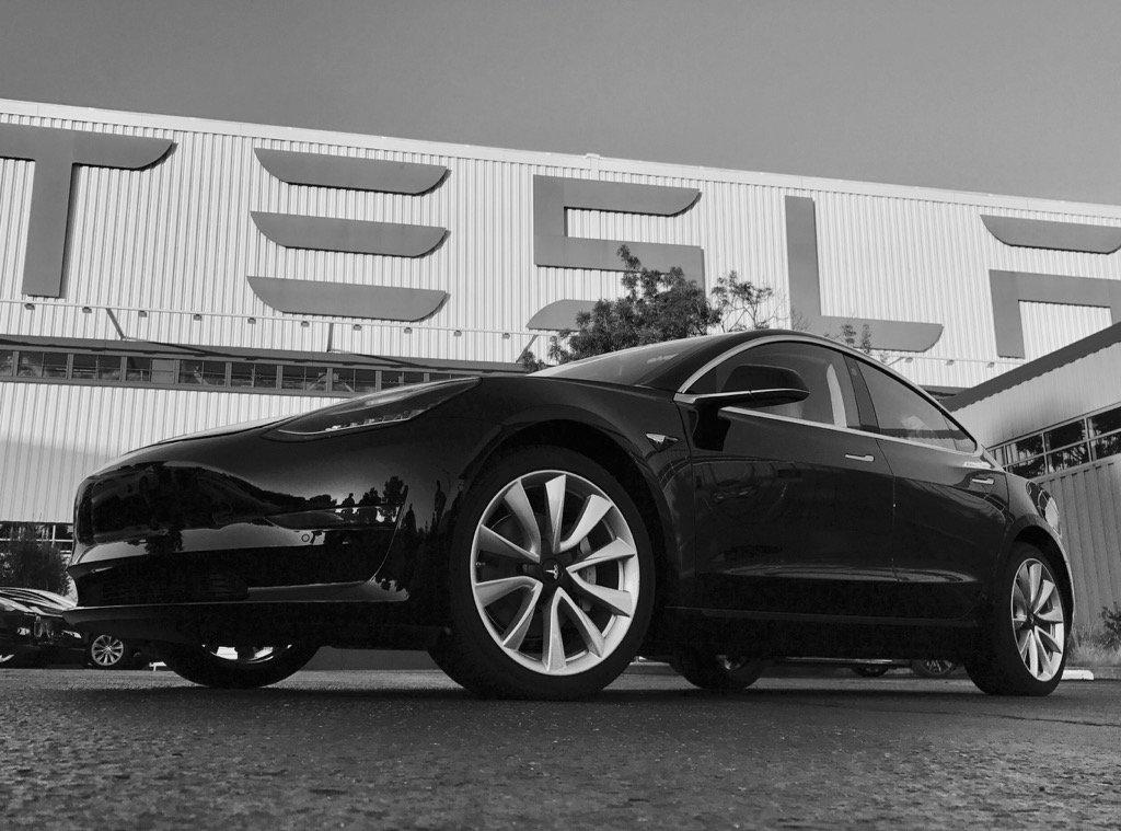 The Tesla Model 3 will offer a 215 mile (346 km) range