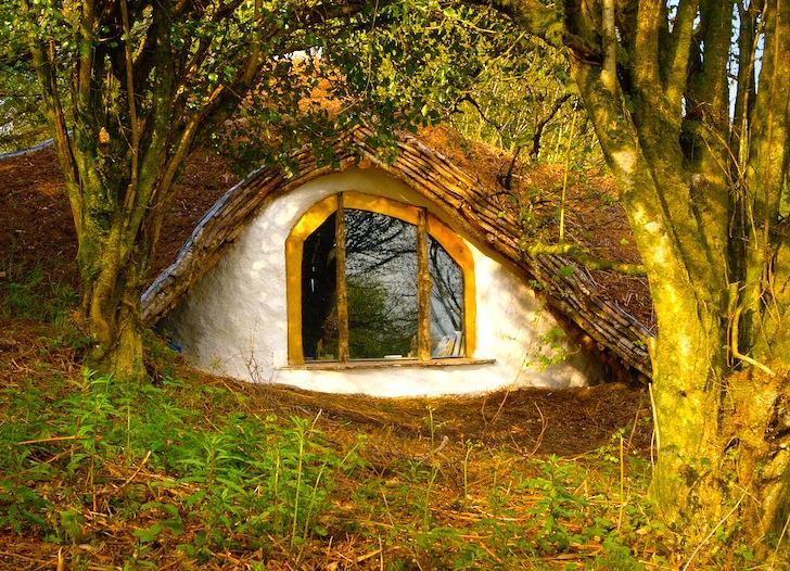 The low-impact hobbit hole by Simon Dale