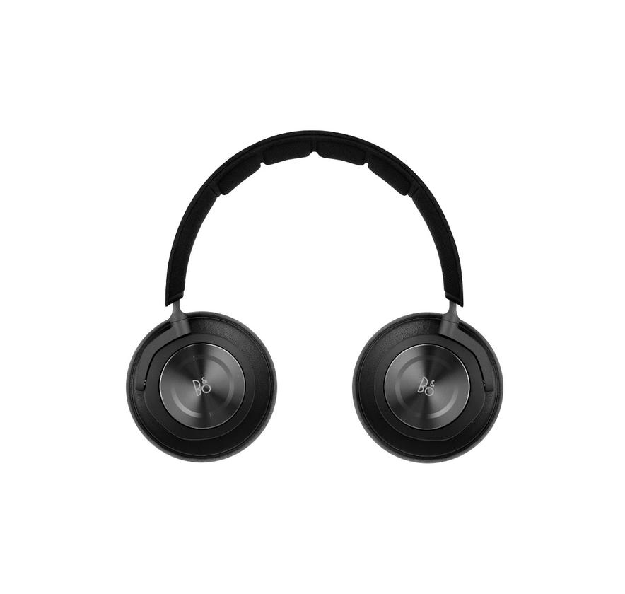 An anodized aluminum touch interface on the right earcup allows users to control playback and take calls