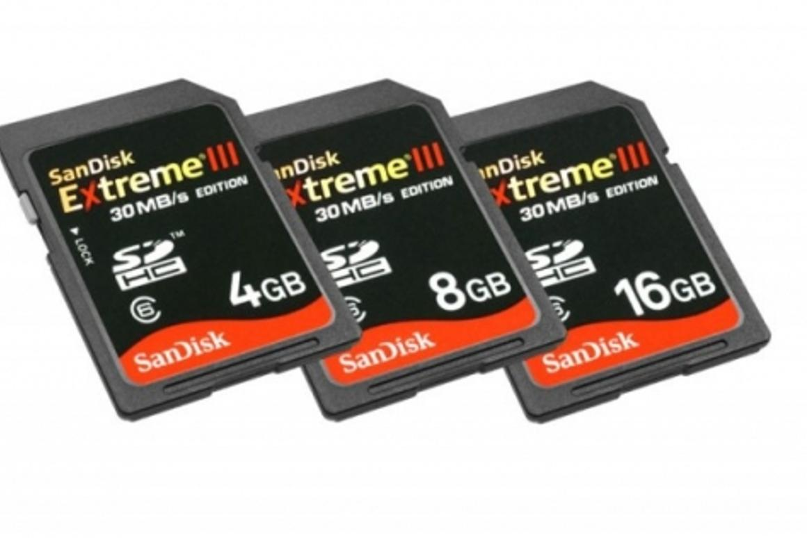 The SanDisk Extreme III 30MB/s Edition SDHC cards allow users to record 39 images in continuous shooting mode at 4.5 frames per second, in the 6.0 MB JPEG L Fine format.