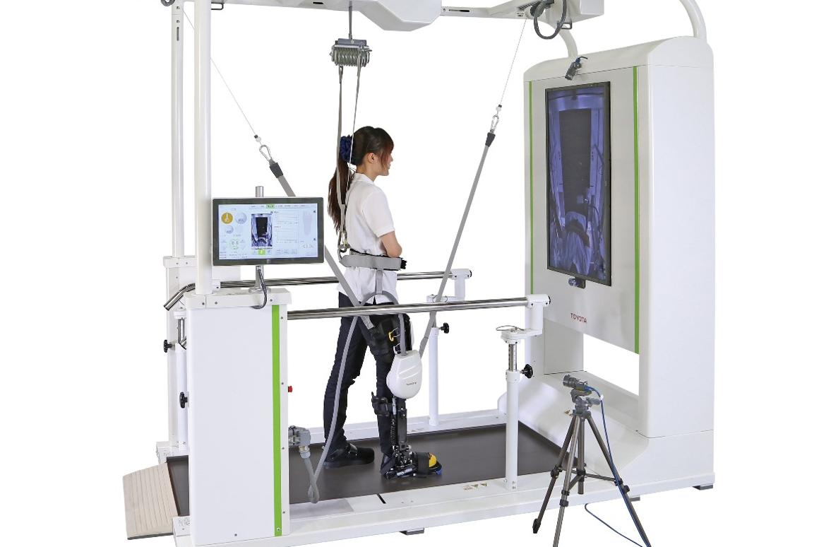 With the Welwalk system, patients with mobility issues learn how to walk again with the help of a smart robotic brace that is able to fine tune the level of support provided