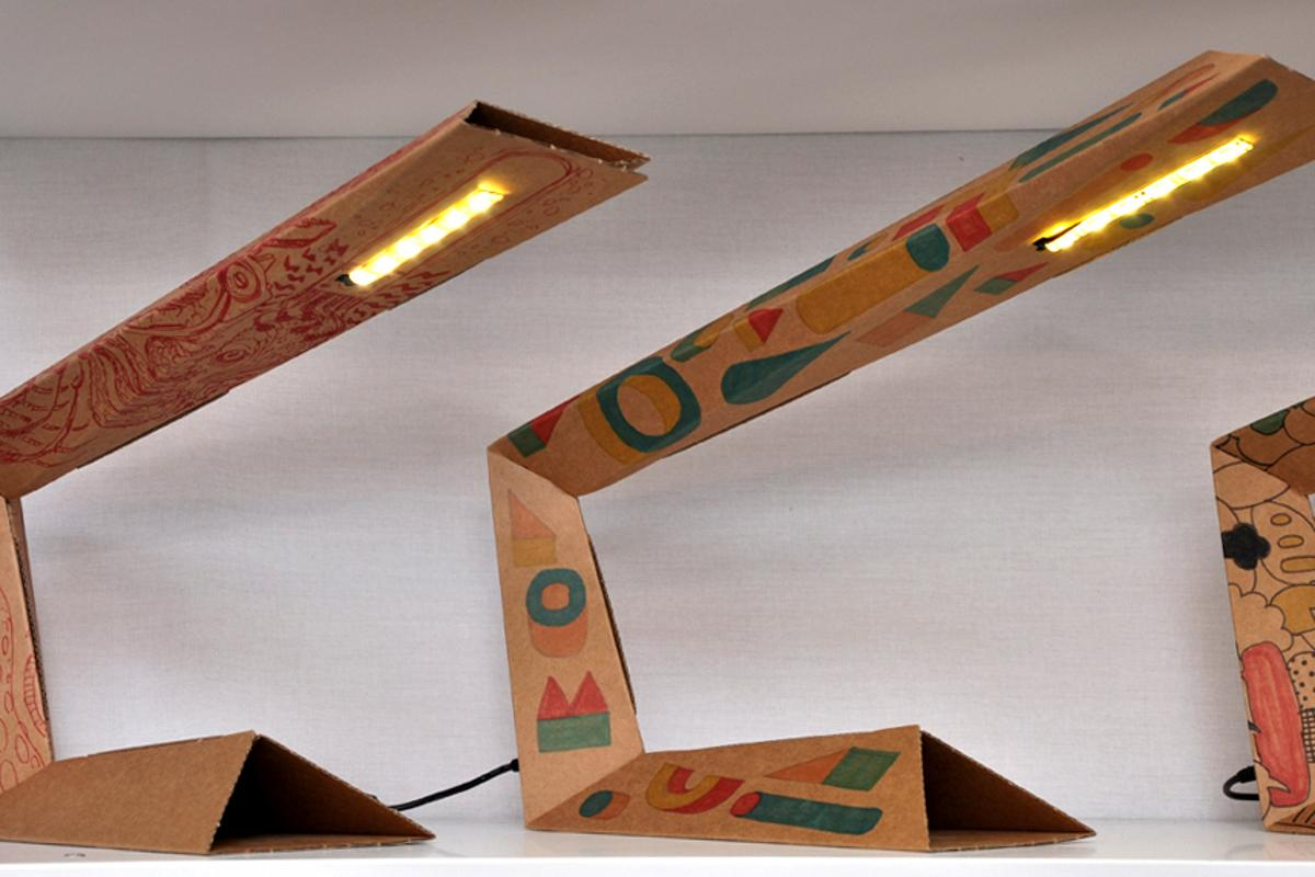 The 01LAMP foldable desk lamp is what you get when four young Italian designers get together and start folding old pizza boxes (photo Edoardo Campanale/Gizmag)
