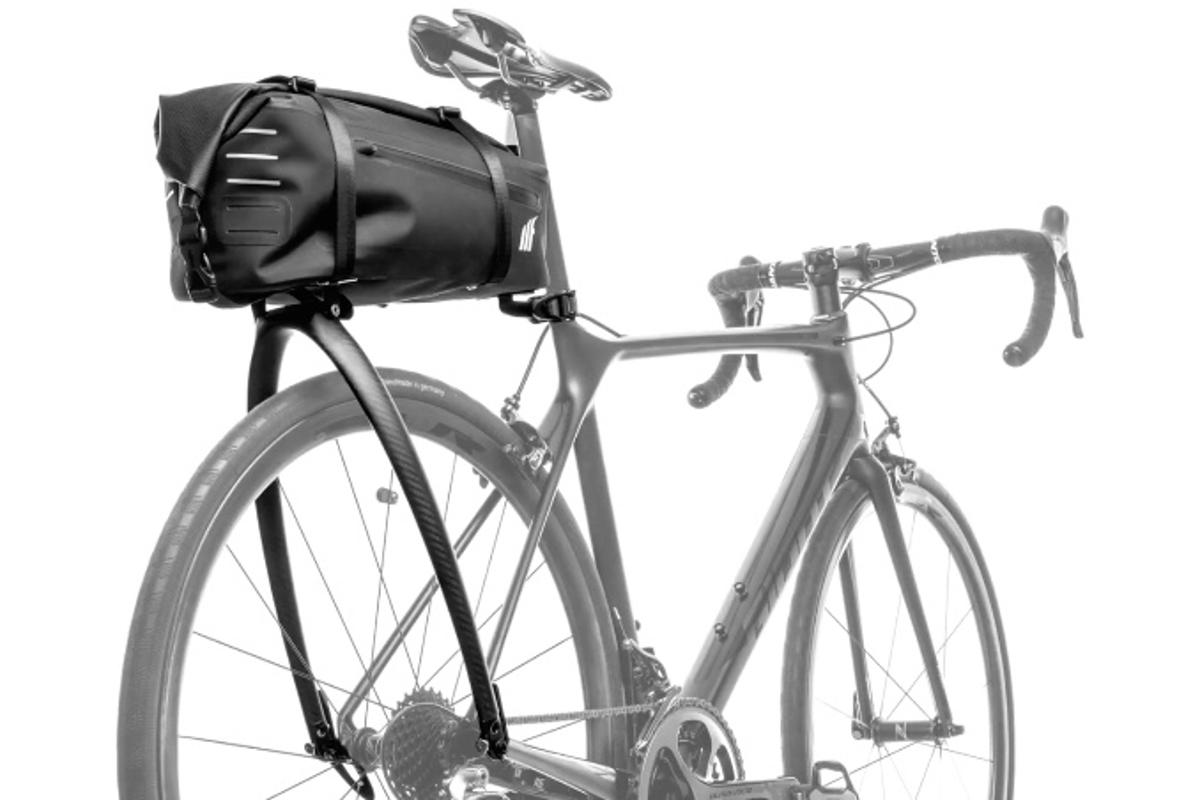The Tailfin AeroPack is being made in carbon, alloy and bag-only versions