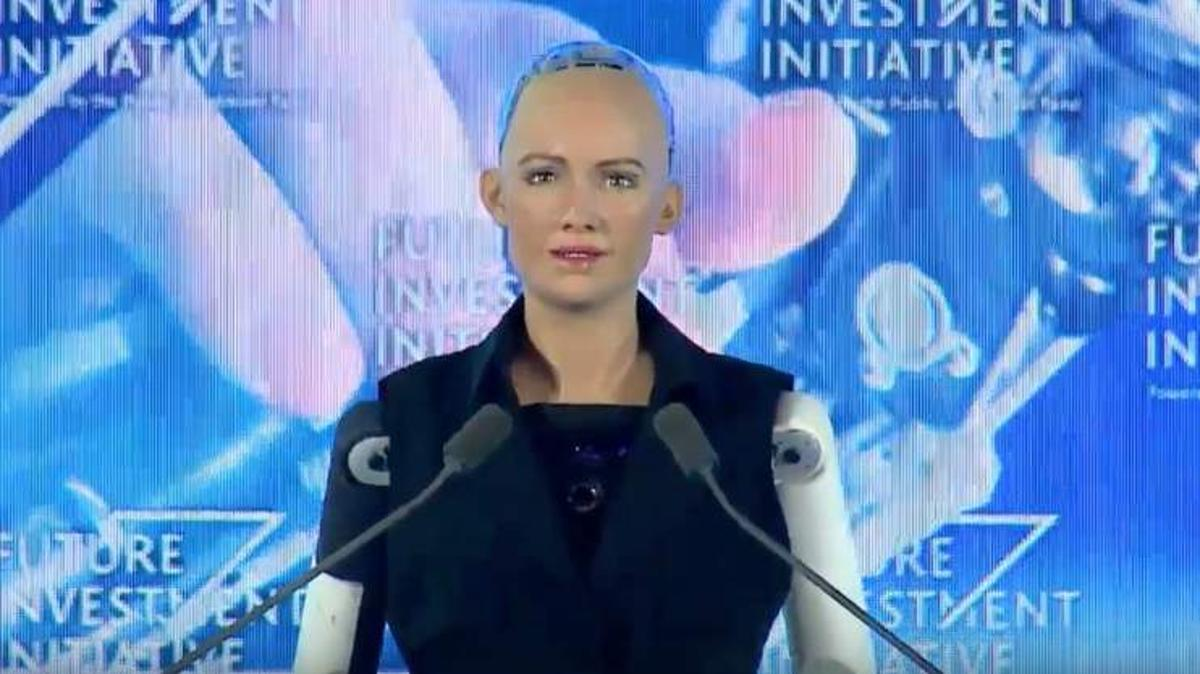 "Sophia, the world's first ""robot citizen"" suggests we don't take Elon Musk too seriously"