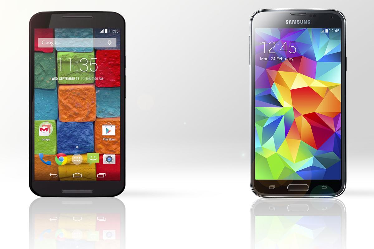 Gizmag compares the features and specs of the new Moto X (left) and the Samsung Galaxy S5