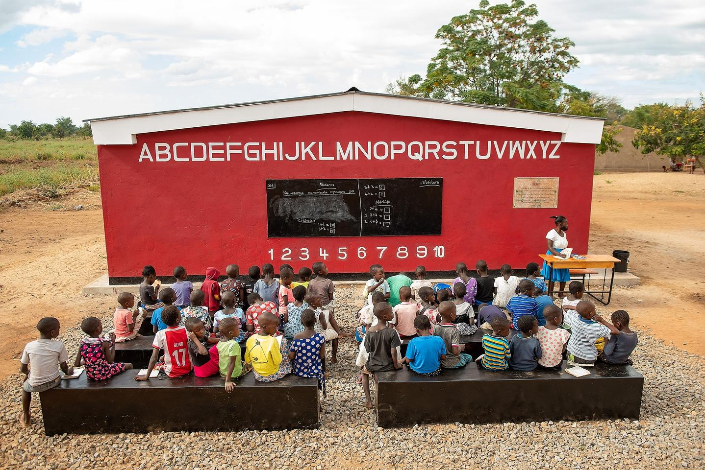 The world's first 3D-printed school is now complete in Malawi