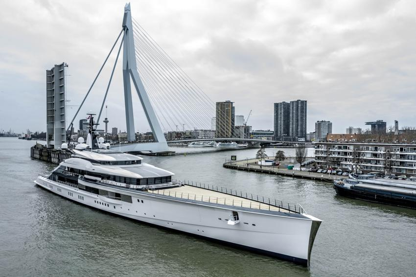 A beautiful and slim superyacht, which boasts an enhanced hybrid propulsion system