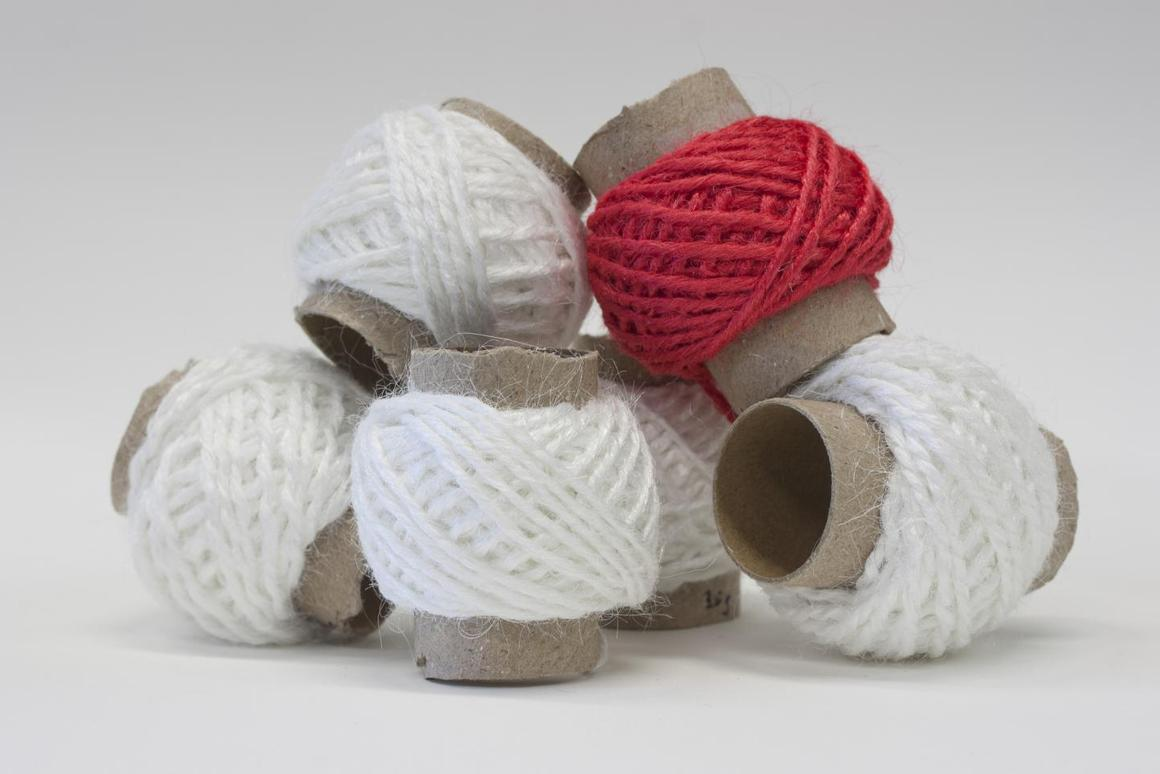 Samples of the collagen yarn